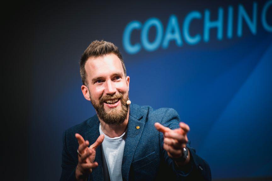Coach Alexander Hartmann